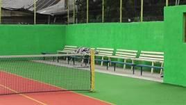 renovat teren de tenis