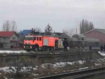 locomotiva in flacari gara pascani